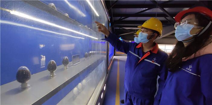 平板车装载、工人转运…晋宁工业园区339户企业复工