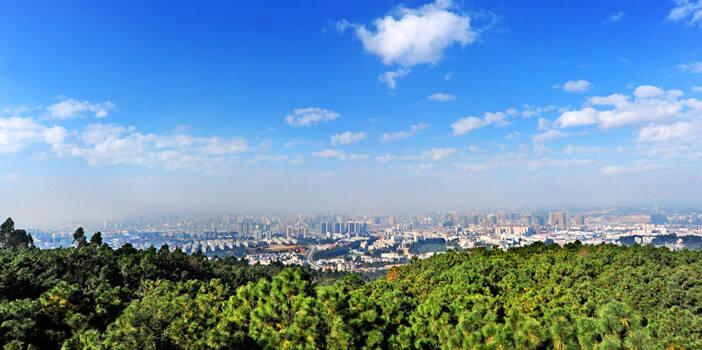 """在春城享受""""森""""呼吸!昆明主城区2019年空气质量优良率达98%"""