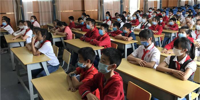 五华区黑林铺社区控烟知识专题讲座进校园